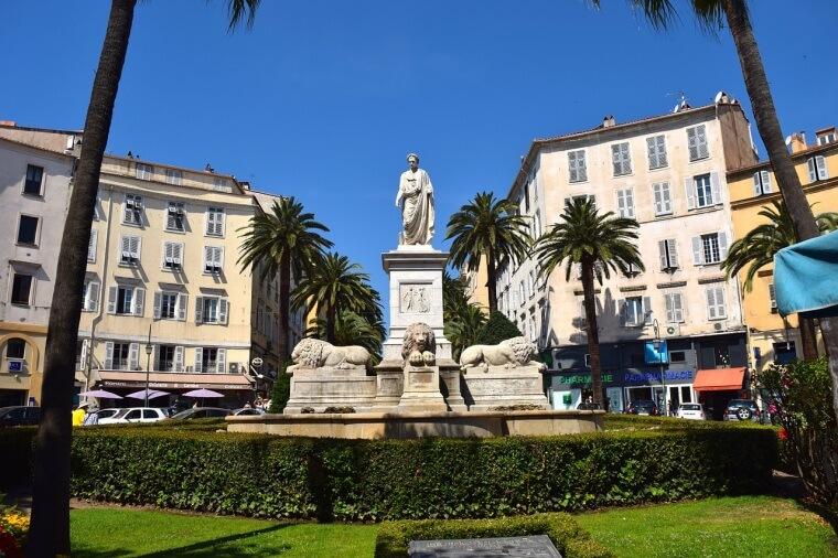 ナポレオンの像