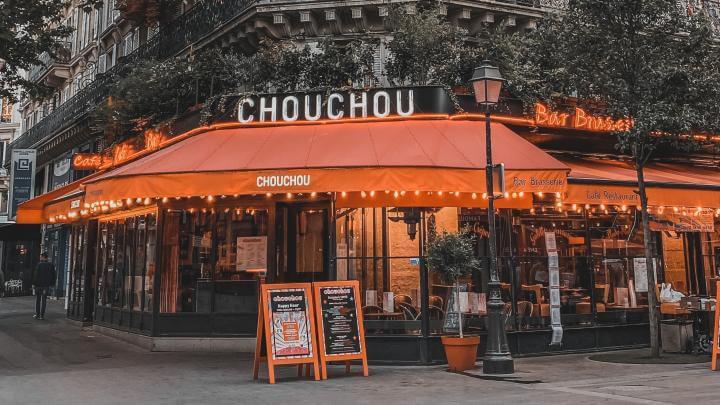 パリのレストランのおしゃれなネーミングの仕組み
